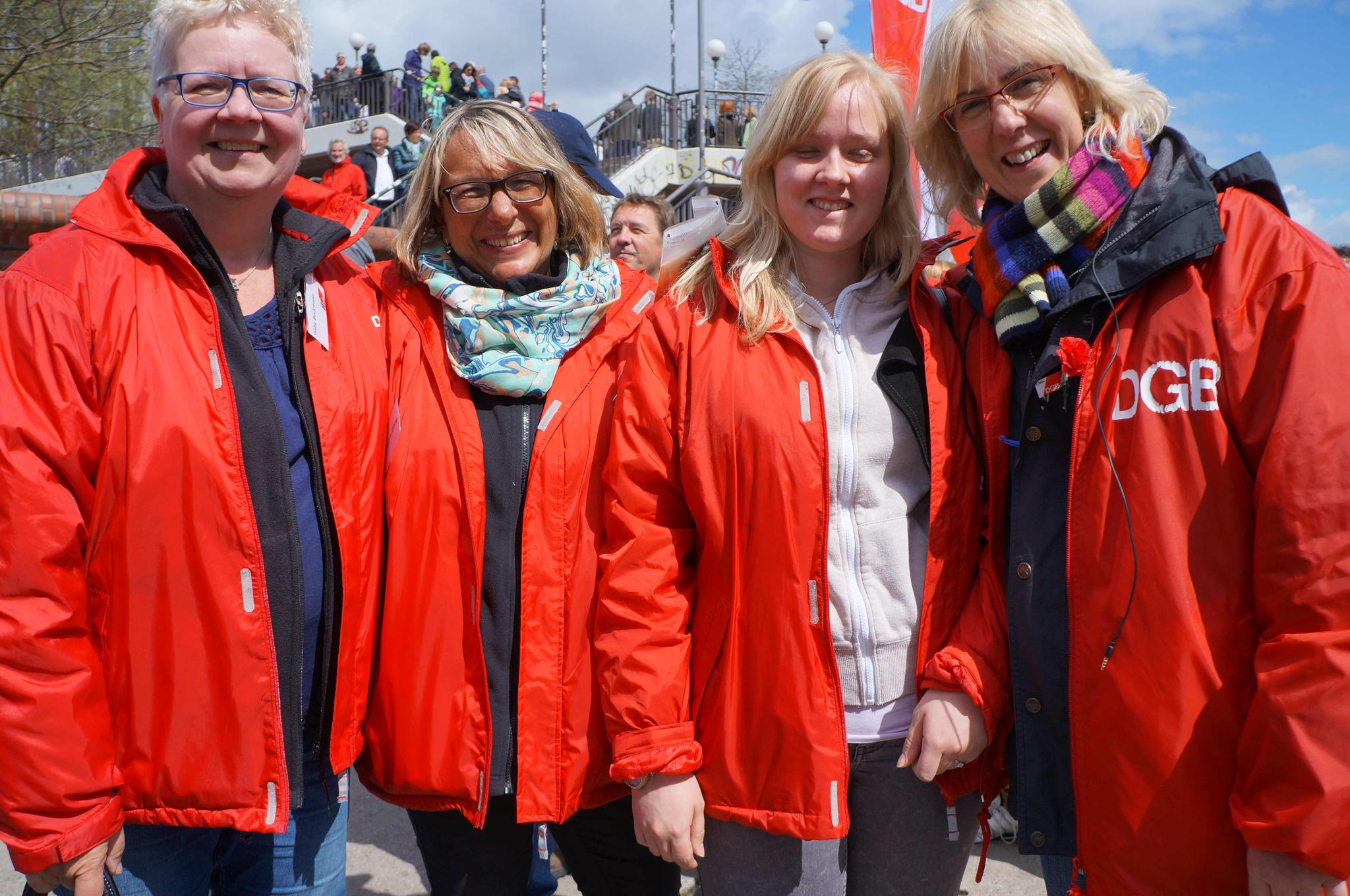 Das DGB-Team ganz in rot