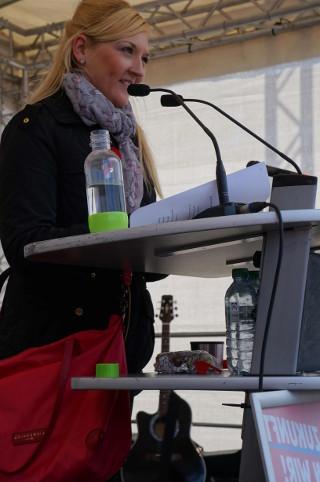 Stefanie Holtz